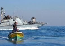 إصابة صيادين برصاص بحرية الاحتلال قبالة شاطئ غزة