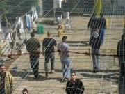 4 أسرى يدخلون أعوامهم الـ 20 في سجون الاحتلال