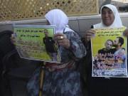الاحتلال يمنع والدة الشهيد سامي أبو دياك من زيارة نجلها الأسير