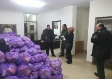 """""""المؤتمر الوطني"""" يساند بلدة بدو بمواد غذائية ومعقمات"""